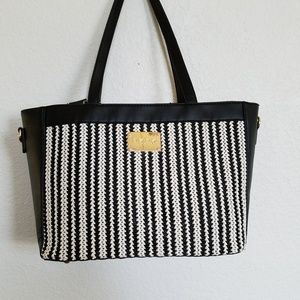 bebe gwen tote black and white